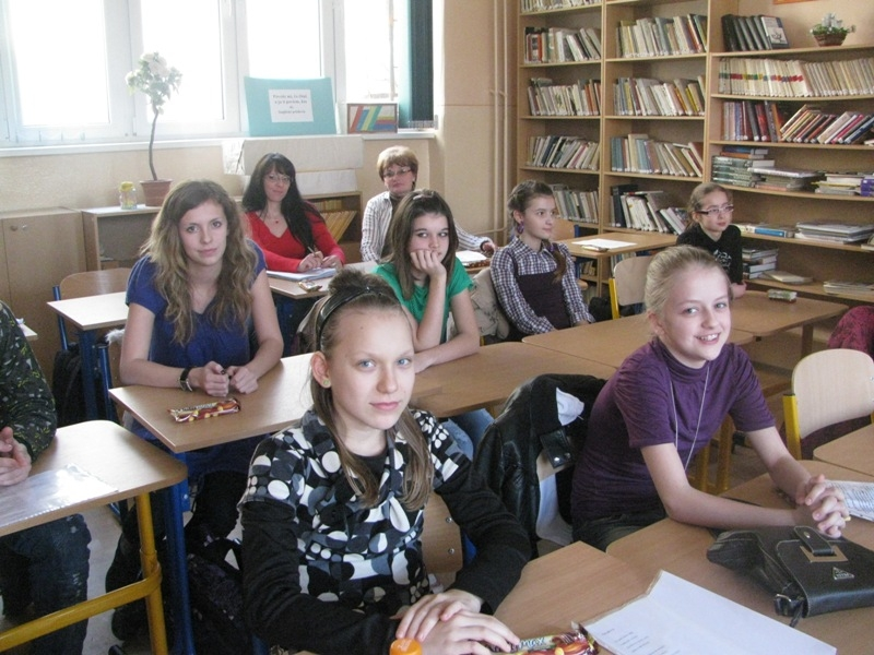 7f593396b 25. februára 2010 sa v školskej knižnici uskutočnilo školské kolo súťaže v  prednese poézie a prózy Hviezdoslavov Kubín 2010.